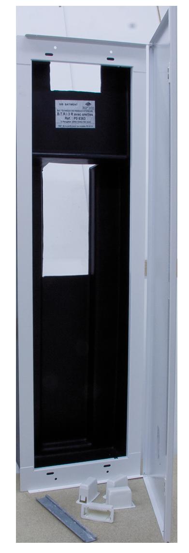 Porte Pour Bac Métallique Plastique épaisseur 13mm 2 Rangées Avec Miroir